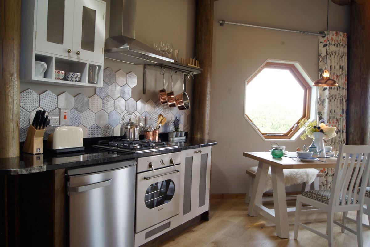 Saffir kitchen