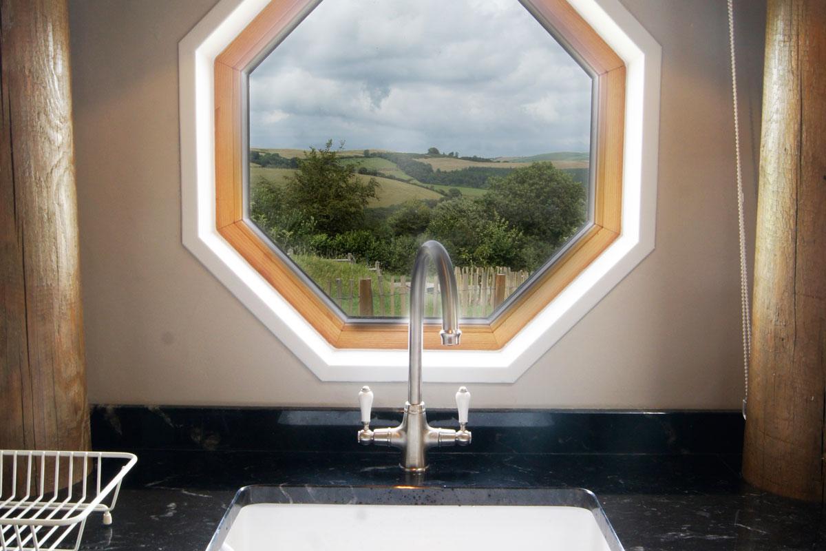 saffir kitchen window